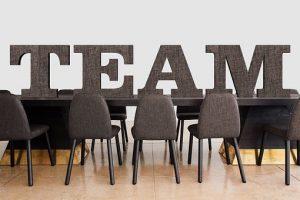 kaj je team building